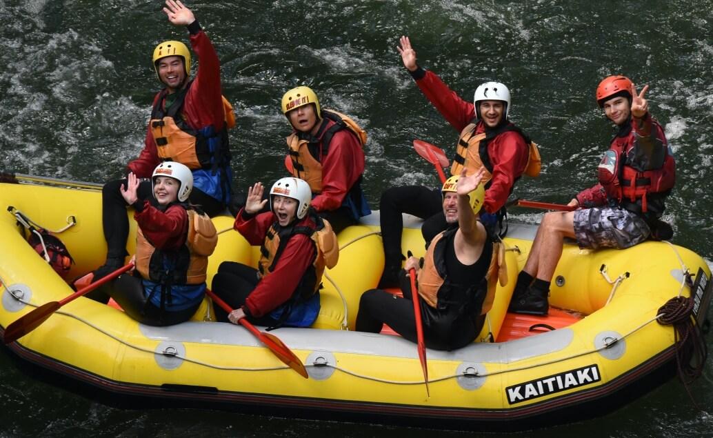 Nový Zéland aktivně pro mladé rafting