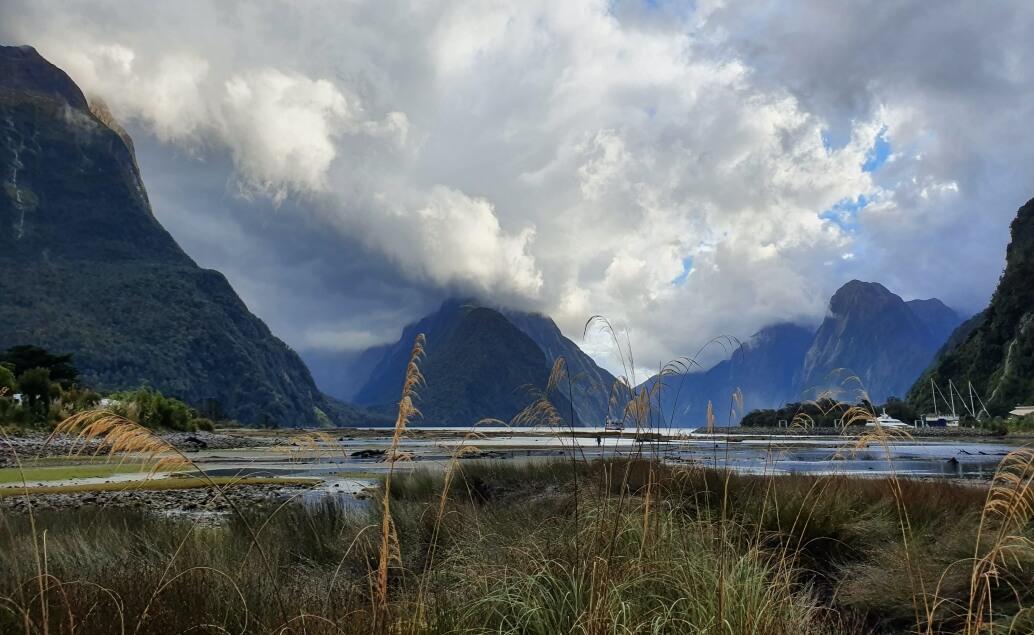 Nový Zéland aktivně pro mladé Milford Sound